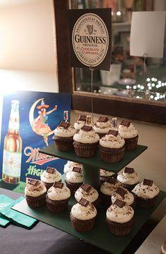 Masculine Party Ideas-my boyfriend would love this! Cupcake Party, Cupcake Cakes, Cup Cakes, Birthday Cupcakes, 40th Birthday Parties, Birthday Ideas, Wife Birthday, Birthday Images, Birthday Gifts