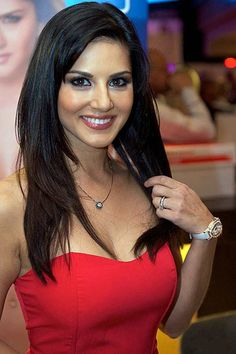 Find out what Sunny Leone is addicted to! #SunnyLeone