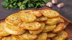 Cum să pregătești cartofi la cuptor rondele cu cimbru si usturoi, o garnitura simplă, ieftină și gustoasă. Cookies, Desserts, Food, Biscuits, Meal, Deserts, Essen, Hoods, Dessert
