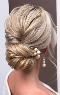 hair pin hair flowers hair and makeup wedding hair wedding hair updos wedding hair hair styles for shoulder length hair for wedding hair Bridal Hair Updo, Wedding Hair And Makeup, Hairstyle Wedding, Hairstyle Ideas, Hair Ideas, Romantic Wedding Hairstyles, Wedding Updo With Braid, Upstyle Wedding Hair, Long Hair Wedding