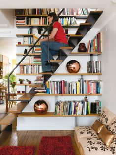 Cool Staircase Design Idea That Combine It With A Library - Shelterness