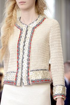 See all the Details photos from Tory Burch Spring/Summer 2013 Ready-To-Wear now on British Vogue Crochet Coat, Crochet Jacket, Crochet Cardigan, Crochet Clothes, Tory Burch, Mode Crochet, Crochet Diy, Vogue, Mode Vintage