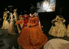 A selection of costumes showing various designs and outfits worn by actresses playing royal and regal characters seen at the Hollywood Costume exhibition at the Victoria and Albert museum in London, Tuesday, Oct. Elisabeth I, Hollywood Costume, Renaissance Dresses, Exhibition Display, Gary Oldman, Victoria And Albert Museum, Historical Clothing, Dress First, Actresses