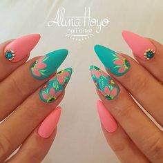 If you're looking to do seasonal nail art, spring is a great time to do so. The springtime is all about color, which means bright colors and pastels are becoming popular again for nail art. These types of colors allow you to create gorgeous nail art. Spring Nail Art, Nail Designs Spring, Spring Nails, Summer Nails, Nail Art Designs, Nails Design, Fancy Nails, Pretty Nails, Pink Glitter Nails