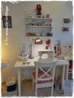 Seaside-Cottage crafting room