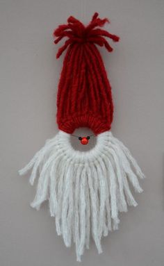 Adapt technique to make Rudolph (brown yarn, wire for antlers)! Christmas Ornament Crafts, Holiday Ornaments, Christmas Projects, Yarn Crafts, Handmade Christmas, Holiday Crafts, Christmas Holidays, Christmas Decorations, Yarn Dolls