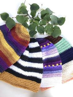Free crochet pattern: Slouchy Beanie with video by Olena Huffmire Designs for Underground Crafter Easy Crochet Baby Hat, Slouch Hat Crochet Pattern, Slouchy Beanie Pattern, Crochet Slouchy Beanie, Knitted Hats, Knit Crochet, Crochet Patterns, Free Crochet, Hat Patterns