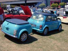 beauty-Austin mini - I love the mini trailer Such a cutie pie. Mini Cooper Classic, Mini Cooper S, Classic Mini, Classic Cars, Fiat 600, Jaguar, My Dream Car, Dream Cars, Austin Mini