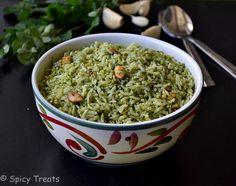 Spicy Treats: Drumstick Leaves Chutney Rice With Garlic / Murungai Keerai Sadham