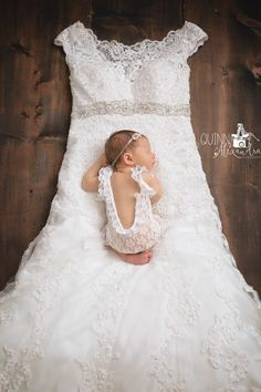 Newborn photo with mom's wedding gown Baby In Wedding Dress, Wedding Dress Pictures, Wedding Dresses For Girls, Dream Wedding, Newborn Pictures, Baby Pictures, Newborn Shoot, Baby Love, Baby Baby