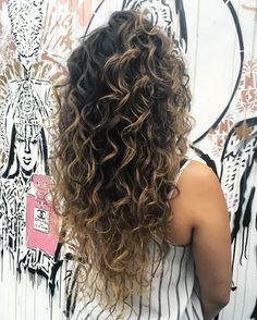 Curly Balayage Hair, Taylor Taylor, How To Feel Beautiful, Cut And Color, Hair Cut, Pretty Woman, Curly Hair Styles, Dreadlocks, Colour