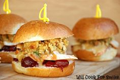 Thanksgiving Leftover Sliders | from willcookforsmiles.com | #turkey #thanksgivingleftover #sliders