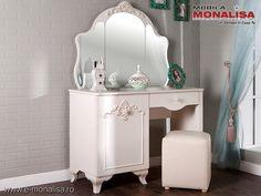 Masa de toaleta cu oglinda Mabel alb fildes ⚜️ Vanity, Furniture, Design, Home Decor, Dressing Tables, Powder Room, Decoration Home, Room Decor, Vanity Set