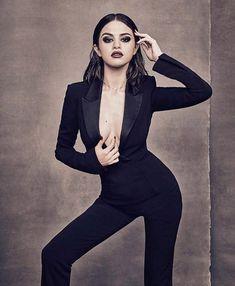 Selena Gomez in Billboard Magazine Photoshoot - December 2017 Selena Gomez Fashion, Selena Gomez Fotos, Selena Gomez Nails, Selena Gomez Photoshoot, Selena Gomez Pictures, Selena Gomez Style, Photoshoot Ideas, Style Olivia Palermo, Women In Music