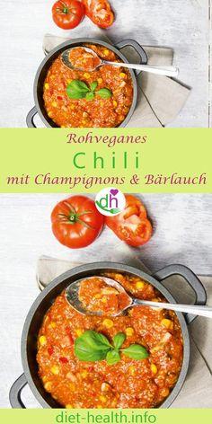 """Für Schnellkocher bestens geeignet: das rohe Chili mit Champignons und Bärlauch aus dem Buch """"Raw Soul Food"""" ist gelingsicher und schnell zubereitet! Im Gegenzug zu bekannten Chili-Variationen wie """"Chili con carne"""" handelt es sich hierbei um vegane Rohkost. #rohvegan #veganeRezepte #diethealthde"""