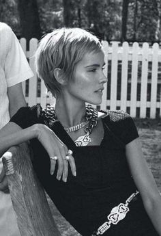 Isabel Lucas – Actress – Vogue Australia, December 2013 Related posts: Hair Style Hair envy! Isabel Lucas, Medium Hair Cuts, Short Hair Cuts, Short Hair Styles, Pixie Cuts, Pixie Hairstyles, Cool Hairstyles, Haircuts, Woman Hairstyles