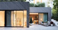 Oak Hill House with pre-weathered Kebony by Shou Sugi Ban