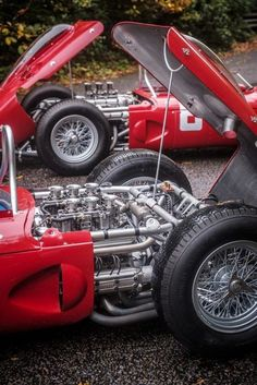 Legendarische Ferrari 'Sharknose' Formule herleven cars, cars and more cars. Ferrari F40, Ferrari Scuderia, Ferrari Racing, Maserati, Lamborghini Gallardo, Sports Car Racing, Sport Cars, Race Cars, Auto Racing