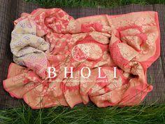 Pure Georgette Sarees, Banarasi Sarees, Pure Silk Sarees, Katan Saree, Charcoal Grey Dress, Loom Craft, Free Fabric Swatches, Fabric Beads, Pink Saree