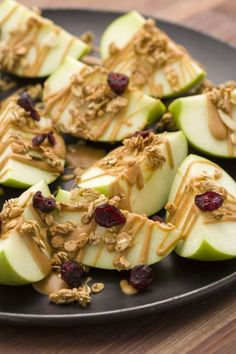 Snacks For Weight Loss Smart Snacks PEANUT BUTTER APPLE NACHOS Drizzle apple nachos with warm peanut butter and top with granola and dried fruit for a dreamy healthy snack.