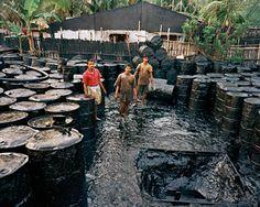 "ed burtynsky's ""oil boom"" art to raise awareness on petroleum consumption"