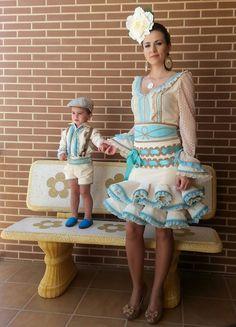 Madre-hijo Fashion Sewing, Boy Fashion, Fashion Beauty, Hijab Dress Party, Saree Dress, Spanish Dress, Miss Match, Flamenco Dancers, Spanish Fashion