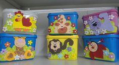 Fika a Dika - Por um Mundo Melhor: Potes de Sorvete: Ideias Diy Storage Projects, Fiesta Party, Foam Crafts, Classroom Decor, Toy Chest, New Baby Products, Home Goods, Recycling, Lunch Box