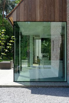 meer licht in huis House Extension Design, Glass Extension, Interior Architecture, Interior And Exterior, Classical Architecture, Ancient Architecture, Sustainable Architecture, Landscape Architecture, Villa
