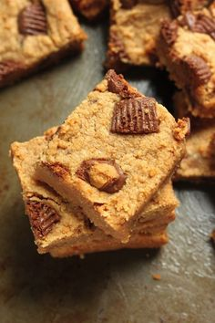 Vegan Peanut Butter Blondies - Only 5 basic ingredients and you're on your way to soft, chewy, peanut butter packed cookie bars! No Bake Desserts, Vegan Desserts, Just Desserts, Delicious Desserts, Dessert Recipes, Yummy Food, Vegan Treats, Yummy Treats, Sweet Treats