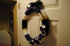 RAVENS yarn wreath!