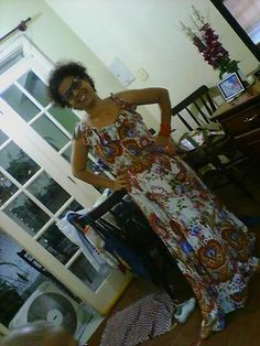 Vestido em viscose estampa com motivos indianos - por mim