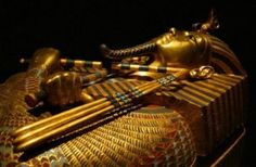 Scientists have found that Tutankhamen died under the wheels of the chariot combat