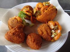 Acarajé is a typical snack from Bahia. It can be served cold, without pepper, or hot, with strong pepper.