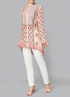 Anita Dongre presents Blush floral printed top available only at Pernia's Pop Up Shop. Short Kurti Designs, Kurta Designs Women, Anita Dongre, Indian Fashion Designers, Indian Designer Wear, Tunic Designs, Dress Designs, Ethenic Wear, Pakistani Outfits