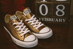 Brides gold converse shoes for Evening Reception   Photography by http://www.jonnydraper.co.uk/