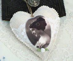 Leinen Stoffherz -French-  von White Roses auf DaWanda.com
