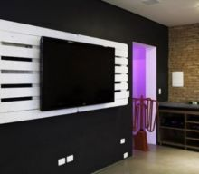 Ideas for Pallet Wall TV Holder
