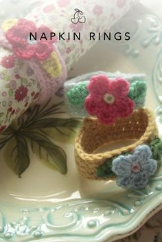 How to make a quick and easy crochet napkin ring that will make a pretty addition to any eating event.