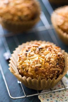 Vanilla Coconut Quinoa Protein Muffins - SO easy to make, healthy and naturally sweetened! The perfect on-the-go breakfast or snack that even my husband LOVES! | Foodfaithfitness.com | #recipe