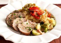 L'arrosto genovese con cipolle si realizza infarinando e rosolando la carne per poi tagliarla a fettine sottili. Scopriamo come realizzare il tipico piatto dell'arrosto genovese con cipolle.
