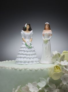 Christian Man Asked 13 Gay Bakeries to Make Pro-Traditional Marriage Cake…Watch What Happens...Typical liberal actions....do as I say not as I do!