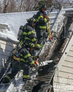 FEATURED POST   @officialpuckstopperphotography -  Up Now! See photos of the @greenwichfirefighters working a house fire yesterday on Sunshine Avenue. You can see more photos here at PuckStopperPhotography.com!  #CFPA #CTFirePhoto #ConnecticutFirePhotographersAssociation . ___Want to be featured? _____ Use hastag chiefmiller  WWW.CHIEFMILLERAPPAREL.COM . . CHECK OUT! Facebook- chiefmiller1 Periscope -chief_miller Tumblr- chief-miller Twitter - chief_miller YouTube- chief miller Vero - chief…