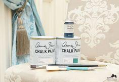 Dwa Ptaszki: Zmień oblicze mebla farbą kredową - Annie Sloan Annie Sloan, Chalk Paint, Diy Furniture, Blog, Painting, Couch, Ideas, Hand Painted Furniture, Messages