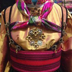 Bilderesultat for beltestakk silkeskjorte Norway, Costumes, Image, Hipster Stuff, Dress Up Clothes, Costume, Fancy Dress, Suits