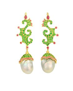 Shop diamond, pearl and gold vintage and antique earrings from the world's best jewelry dealers. Conch Jewelry, Pearl Jewelry, Jewelery, Bohemian Jewelry, Unique Jewelry, Jewelry Design, Cluster Earrings, Diamond Earrings, Drop Earrings