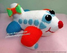 Planes, Airplanes and Crochet on Crochet Car, Crochet Baby Toys, Crochet Gratis, Crochet For Boys, Love Crochet, Crochet Animals, Crochet Dolls, Baby Knitting, Amigurumi Patterns