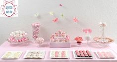 שולחן מעוצב בצבע ורוד ממתקים בעבודת יד שנלמדים בסדנה לקראת יום הולדת.בסדנה זו נלמד גם אי לעצב את השולחן.http://www.facebook.com/mamtakim1
