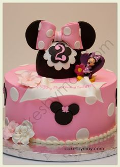 Cute Minnie Mouse Cake