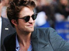 Robert Pattinson portant les Ray-ban Wayfarer.