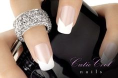 Want to try nail art on your finger nails? Get inspiration from the coolest nail art around for nail art designs to do on yourself using nail polish, nail art pens, leaf and embellishment. French Nails, French Manicure Nails, Manicure E Pedicure, Diy Nails, Cute Nails, Pretty Nails, White Manicure, Chevron Manicure, French Manicure With A Twist